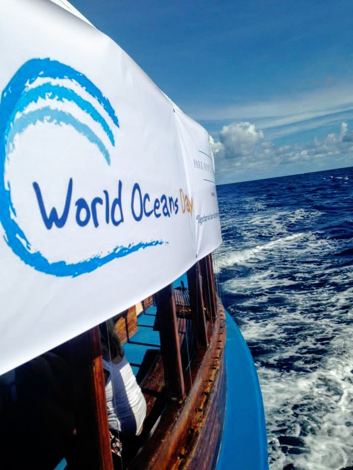 Reef Clean up on Gemanafushi Channel, World Oceans Day 2014, Park Hyatt Maldives Hadahaa