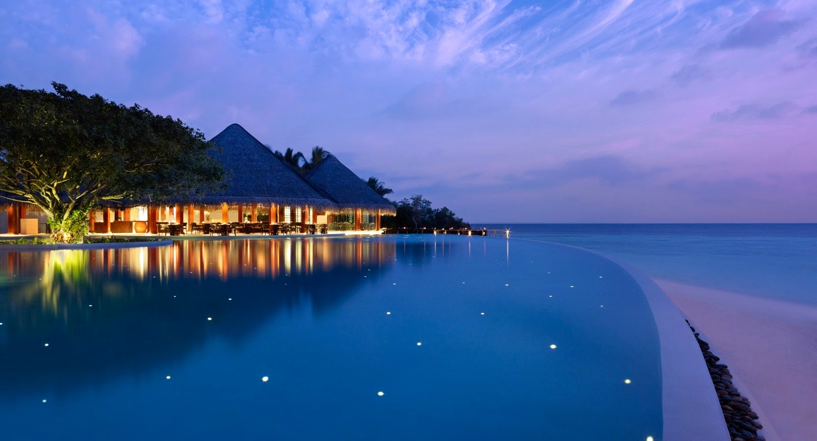 Pool, Dusit Thani Maldives