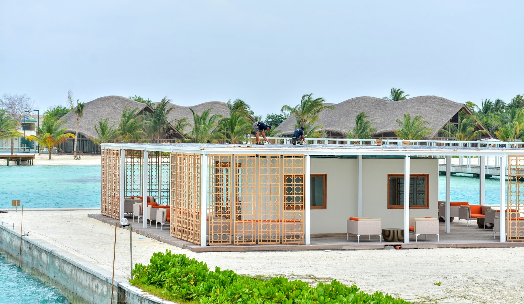 Changing to Solar Power, The Finolhu Villas