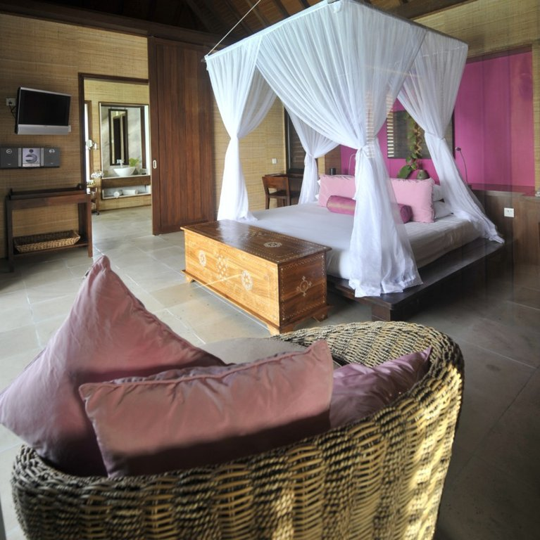 club med kani resort maldives. Black Bedroom Furniture Sets. Home Design Ideas
