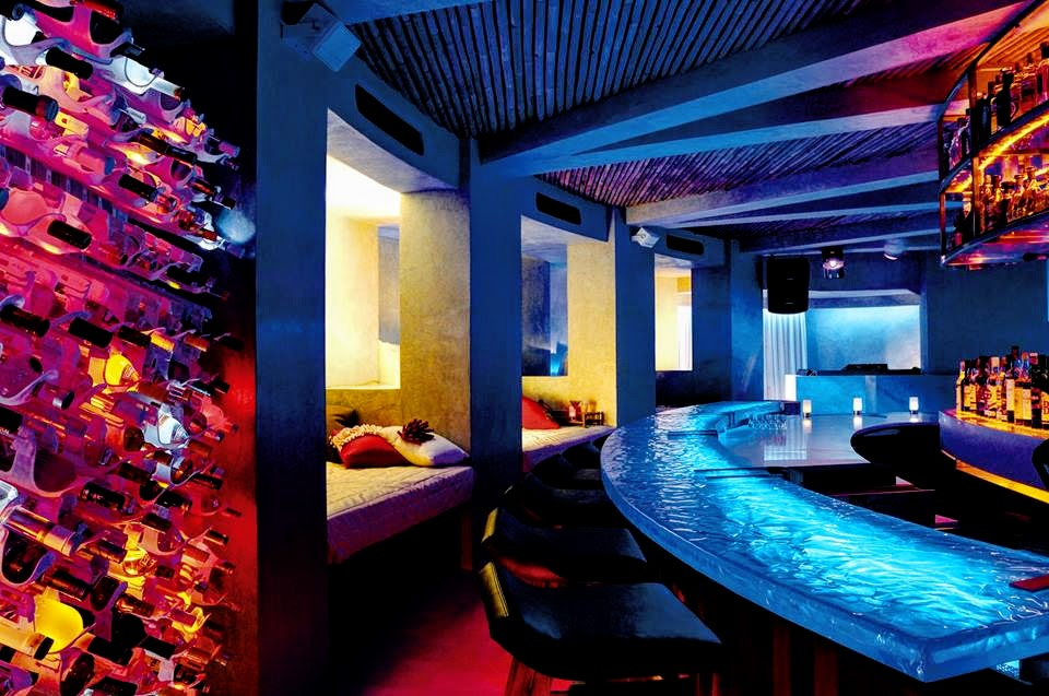 15 Below, the only underground night club, W Retreat & Spa - Maldives