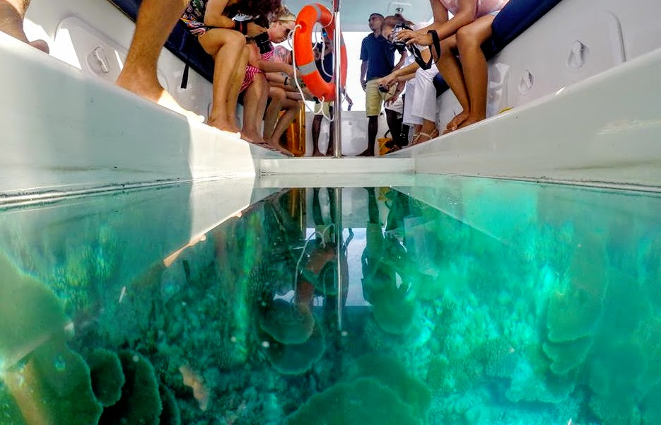 Glass Bottom Boat, Kuramathi Island Resort