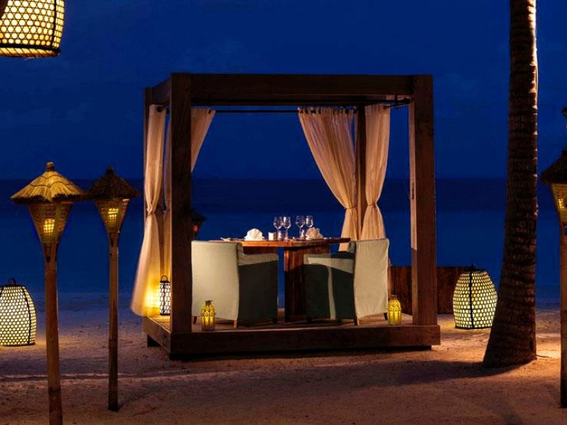 Private Beach Dining, Romantic, Jumeirah Vittaveli