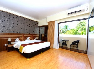 Deluxe Double Room with Balcony & City View -Arena Beach