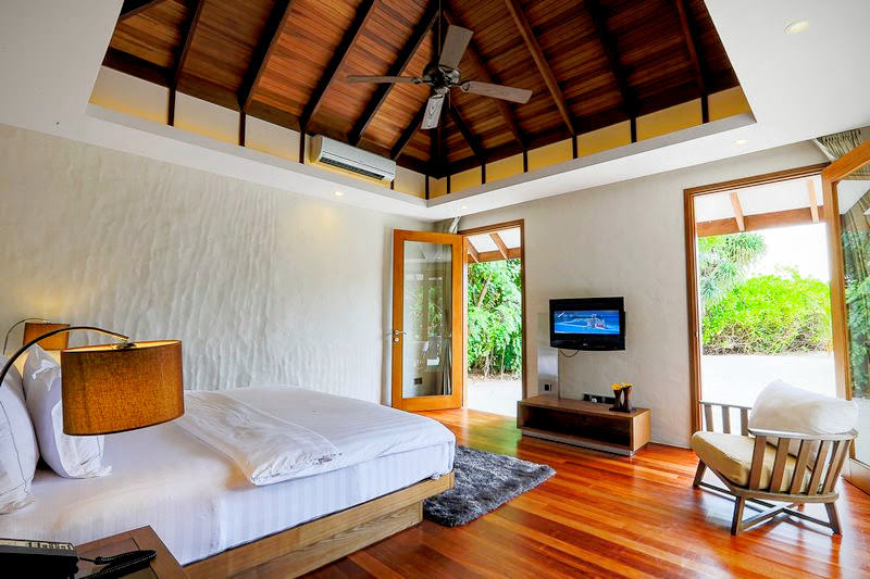 Deluxe Sunset Beach Villa, Hideaway Beach Resort & Spa, Maldives