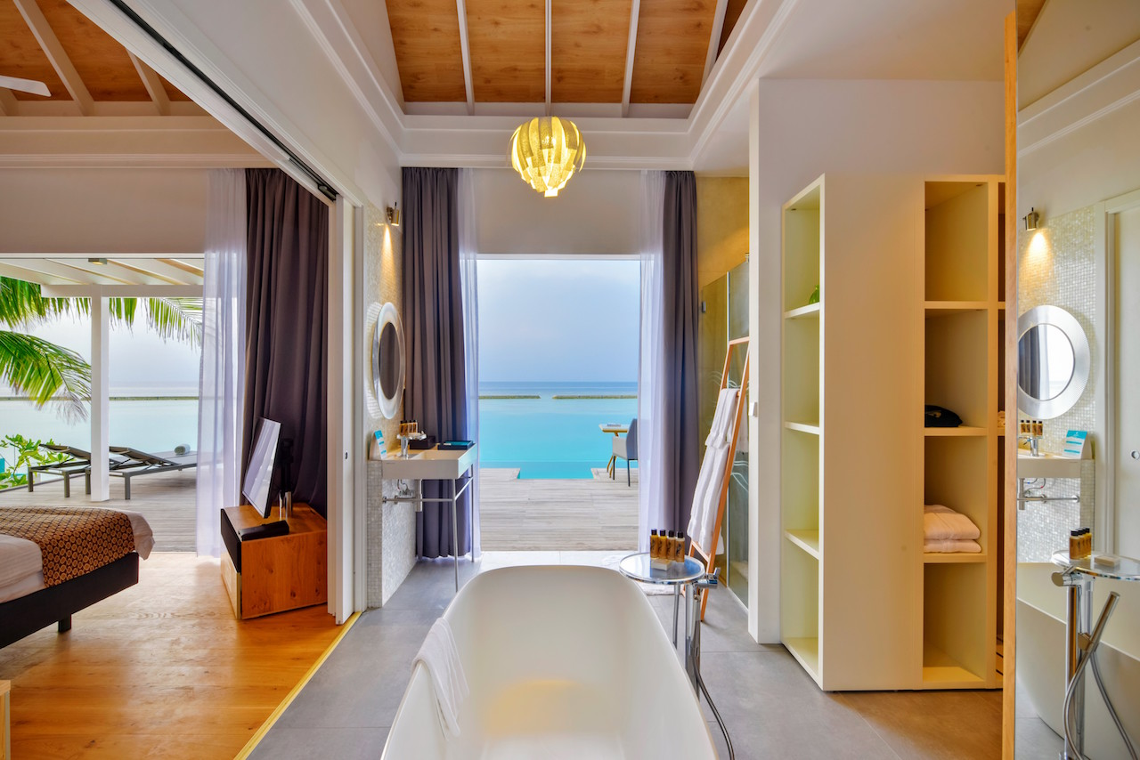 new beginnings at kuramathi island resort. Black Bedroom Furniture Sets. Home Design Ideas