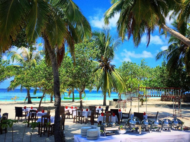 Maldivian lunch buffet, Kaani Beach Hotel