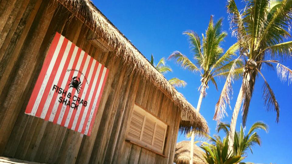 Big bash in baa atoll finolhu launches for Two fish crab shack