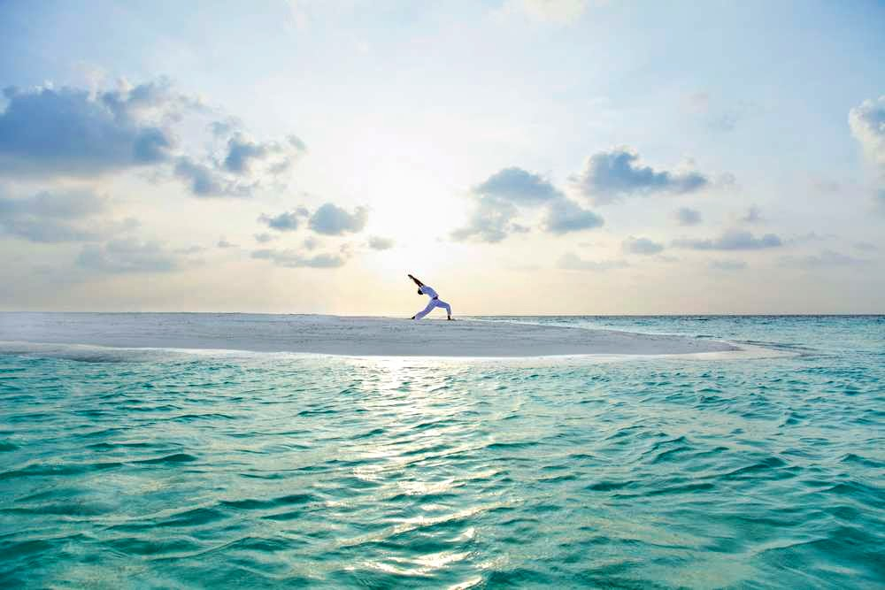 Sunrise Sandbank Yoga, Baros Maldives