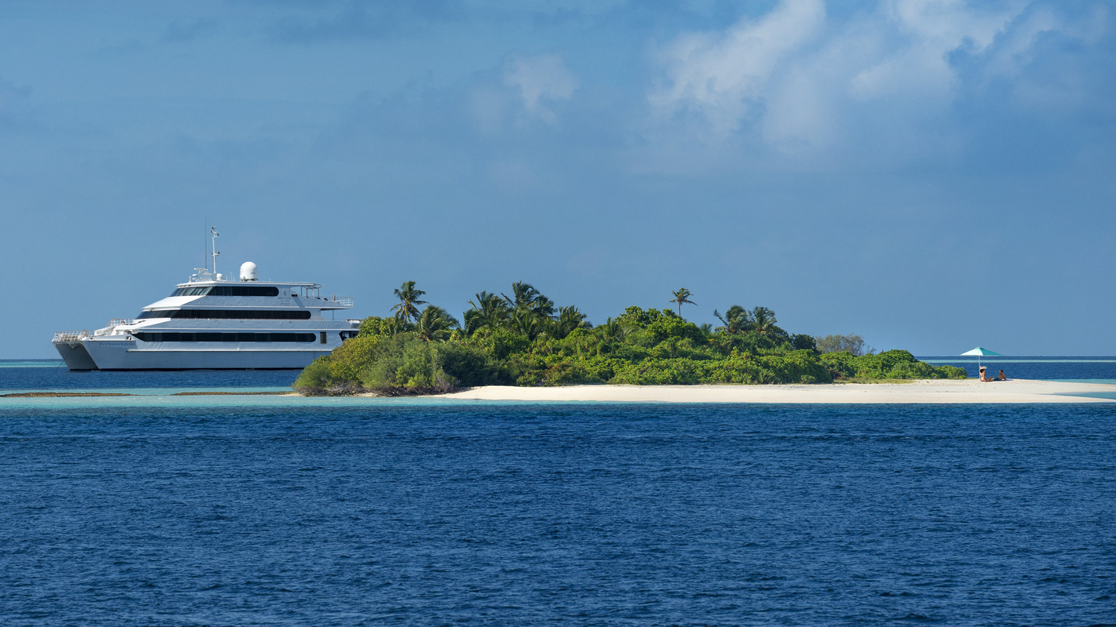 Four Seasons Explorer, Five star luxury yacht / cruise, Four Seasons Resort Maldives at Kuda Huraa