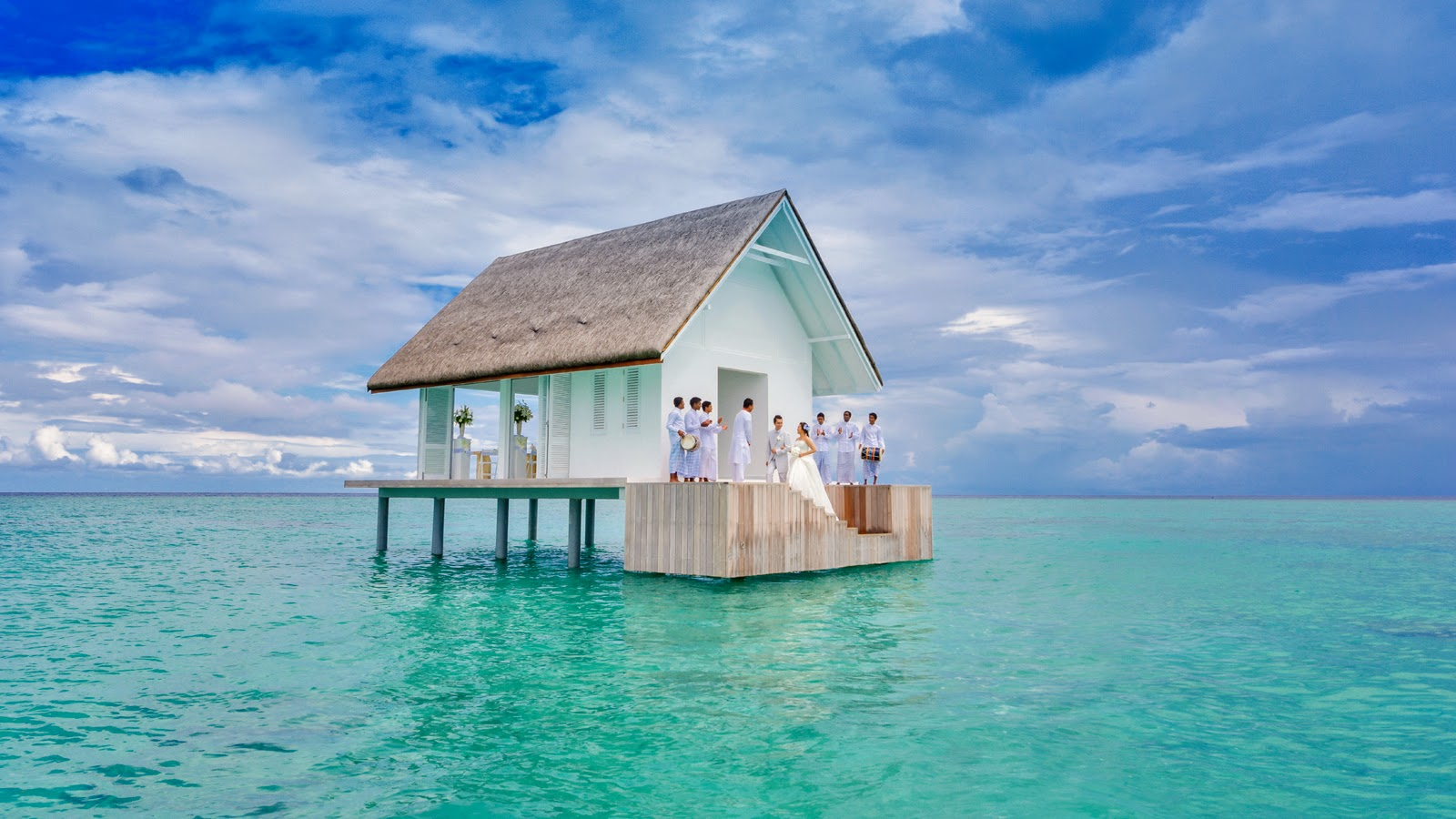 An-Overwater-Wedding-Pavilion-afloat-in-the-UNESCO-Biosphere-Preserve-
