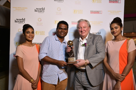 Mohamed Musthafeez, Resort Manager, Baros Maldives, Mr Graham Cooke, President & Founder, World Travel Awards